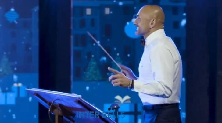 """Luciano Spalletti durante le riprese di """"Inter Bells"""" - Photo credits: Tuttosport"""