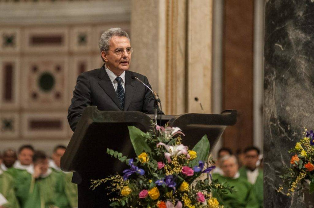 Marco Impagliazzo, presidente della Comunità di Sant'Egidio dà il suo saluto alle persone che festeggiano i 51 anni della Comunità