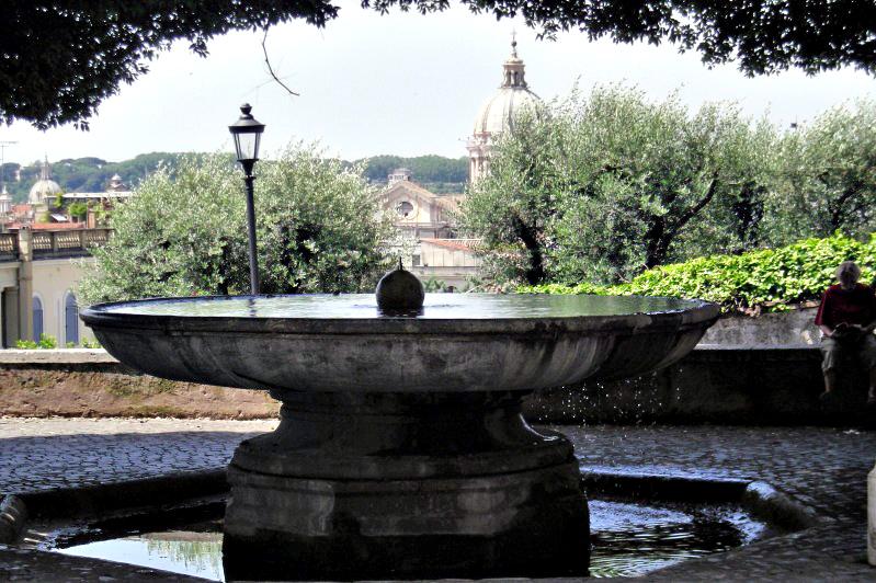 La fontana della palla di cannone (foto dal web) Le fontane più curiose di Roma