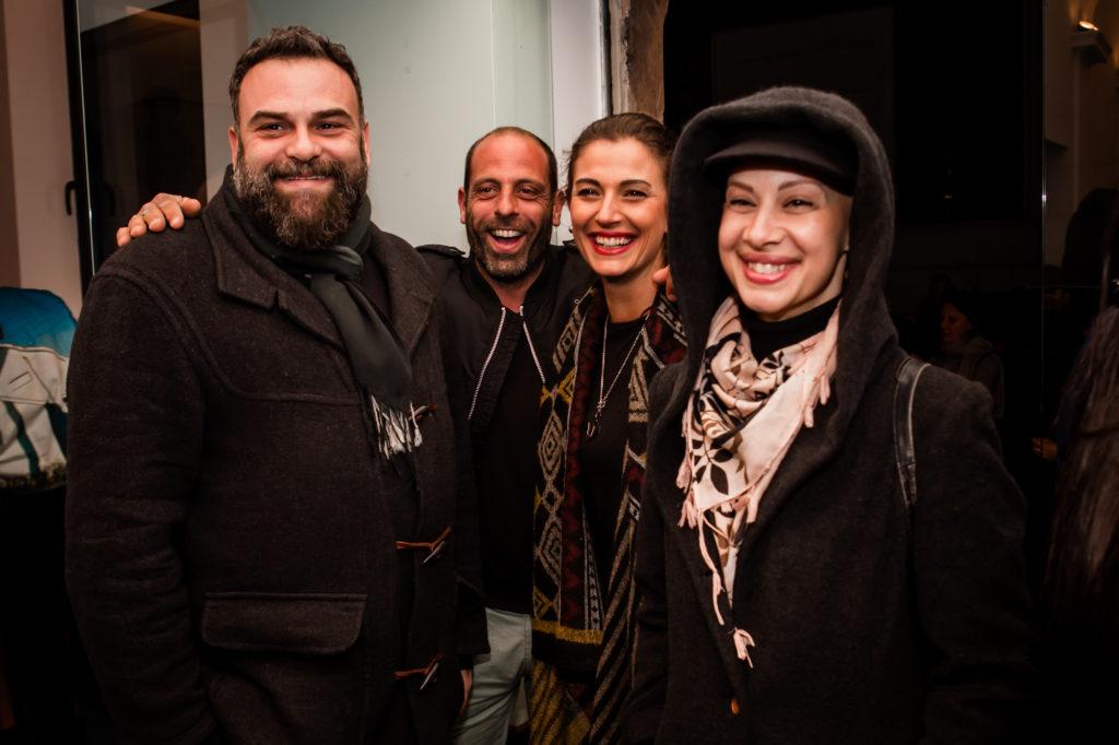 Gli attori Federico Mancini, Alessandro Bernardini, Alessandra Carrillo e Azzurra Rocchi alla prima di Loose Ends. Foto Cosimo Sinforini