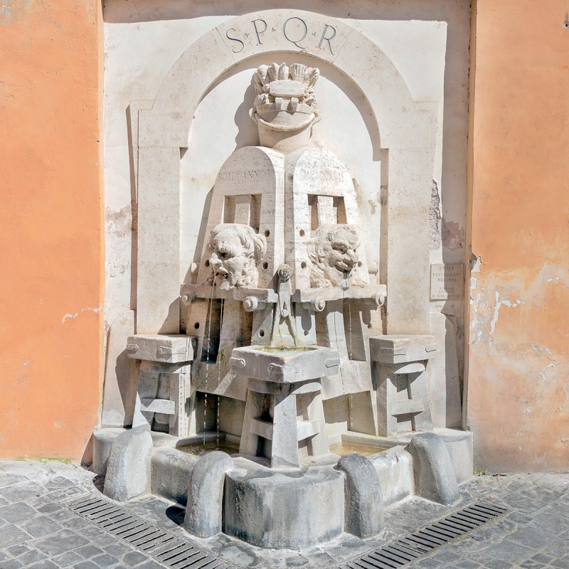 La fontana degli artisti (foto dal web) Le fontane più curiose di Roma