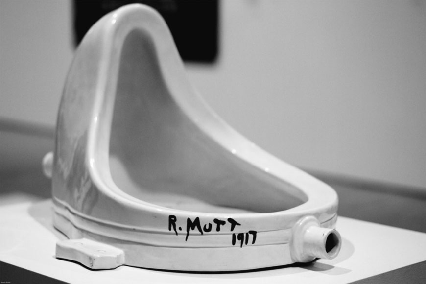 Vittorio Sgarbi - Marcel Duchamp - Fontana (foto dal web)