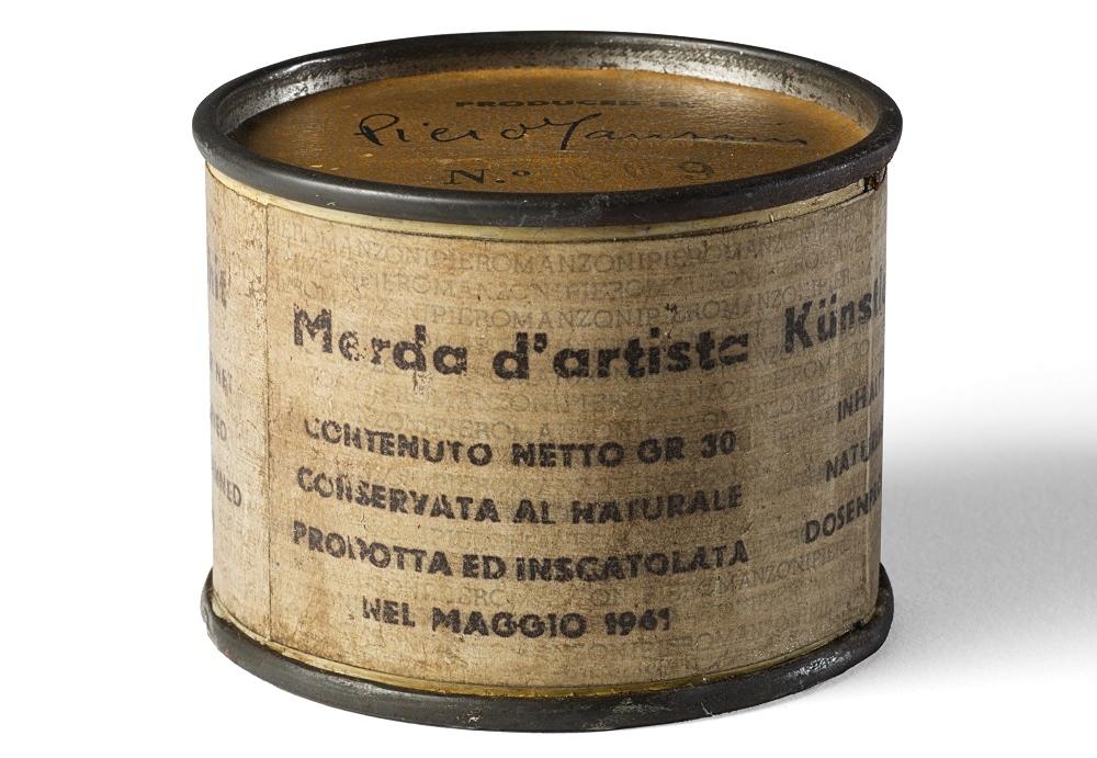 Vittorio Sgarbi - Piero Manzoni - Merda d'artista (foto dal web)
