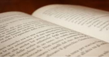 Una pagina aperta, rappresenta la passione degli scrittori protagonisti dell'articolo