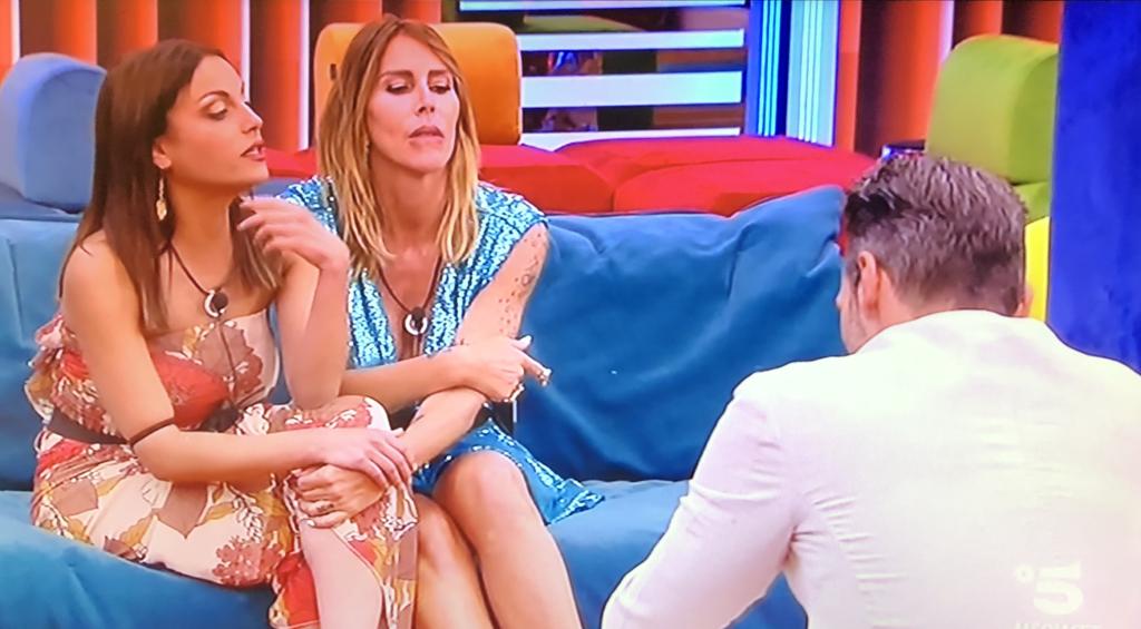 """""""Francesca De André con Guendalina Canessa e Daniele Interrante - Photo Credit: www.grandefratello.mediaset.it""""  grande fratello 16"""