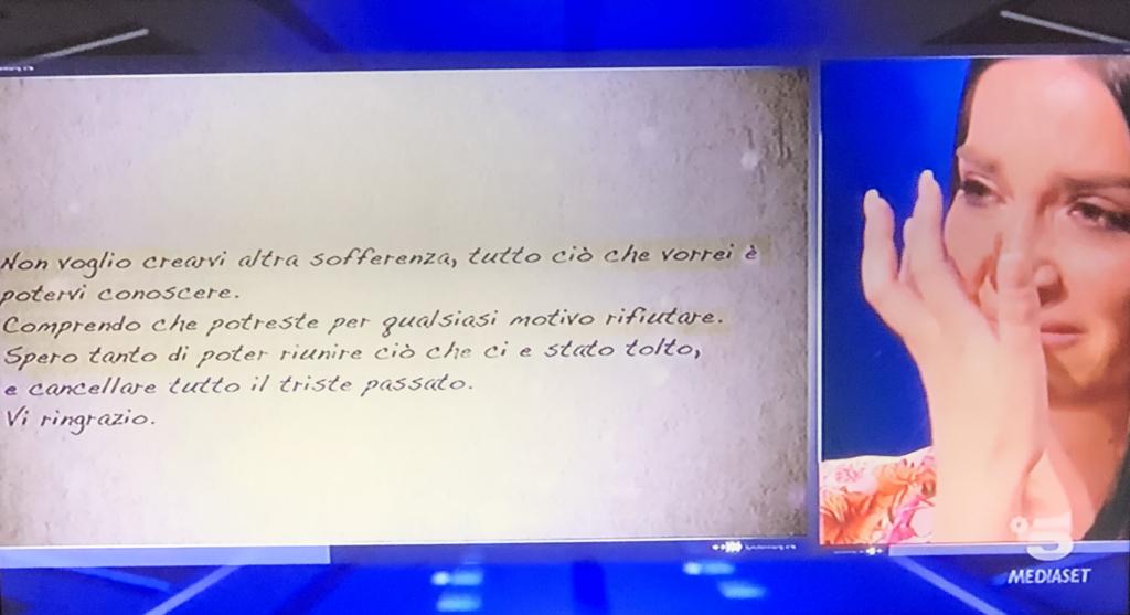 """""""Serena riceve una lettera dal fratello Gaetano - Photo Credit: www.grandefratello.mediaset.it""""  grande fratello 16"""