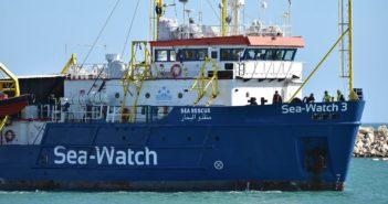 sea watch, migranti, ong, nave, lampedusa, malta, salvini
