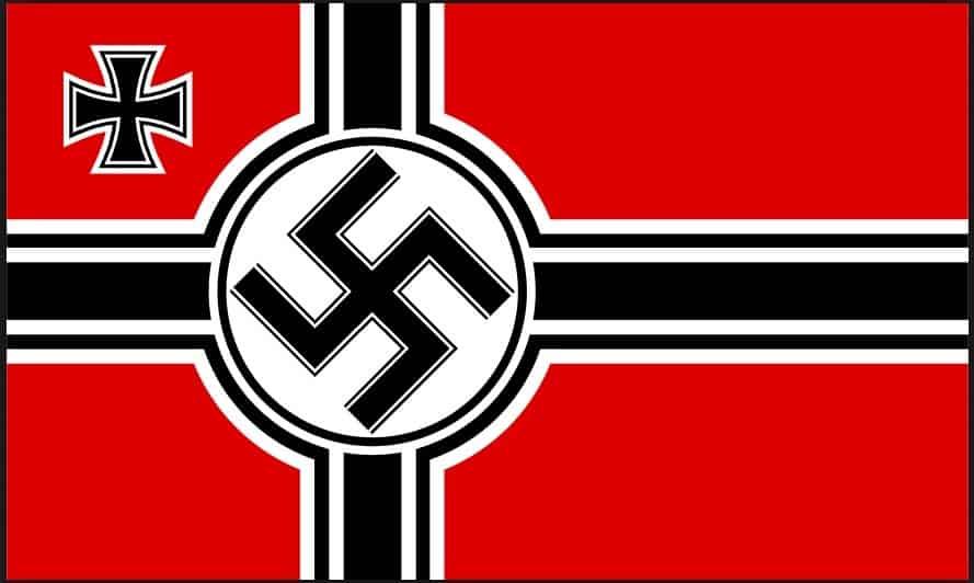 Bandiera tedesca durante il Terzo Reich: è legittimo o meno utilizzare simboli appesantiti da un passato socialmente negativo in nome della fedeltà storica?