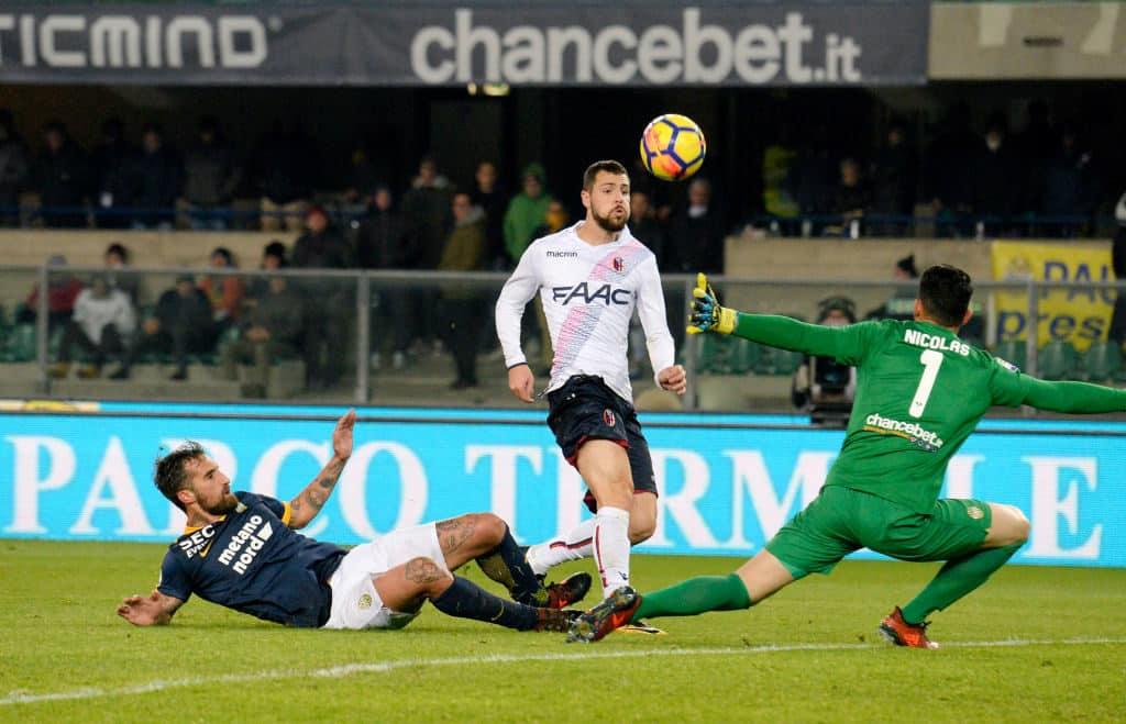 Verona- bologna nel loro ultimo confronto in Serie A.