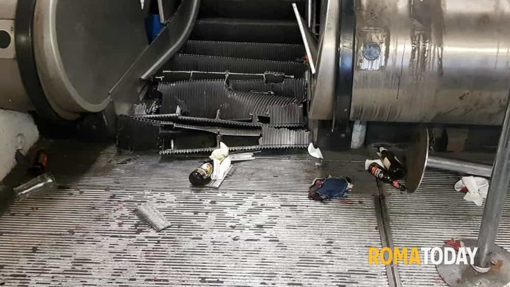 Il guasto alle scale mobili della metro di Roma