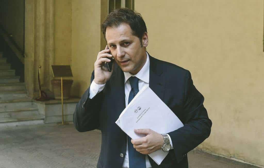 Il senatore leghista Armando Siri è indagato dalla Procura di Milano per il reato di autoriciclaggio - Fonte: rollingstone.it