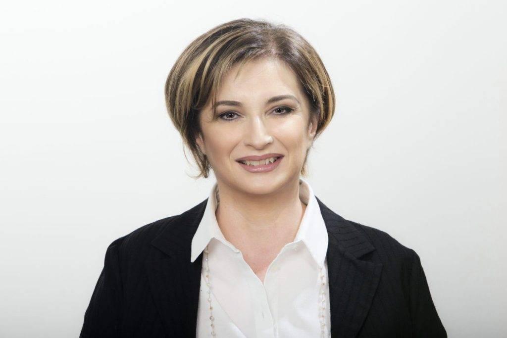 Dopo la senatrice pentastellata Silvia Vono, anche la dem Annamaria Parente è approdata a Italia Viva - Fonte: twitter.com