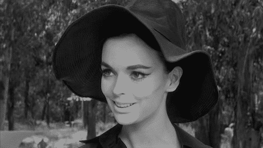 Barbara Steele in  8 ½ di Federico Fellini. Photo Credit: dal web.